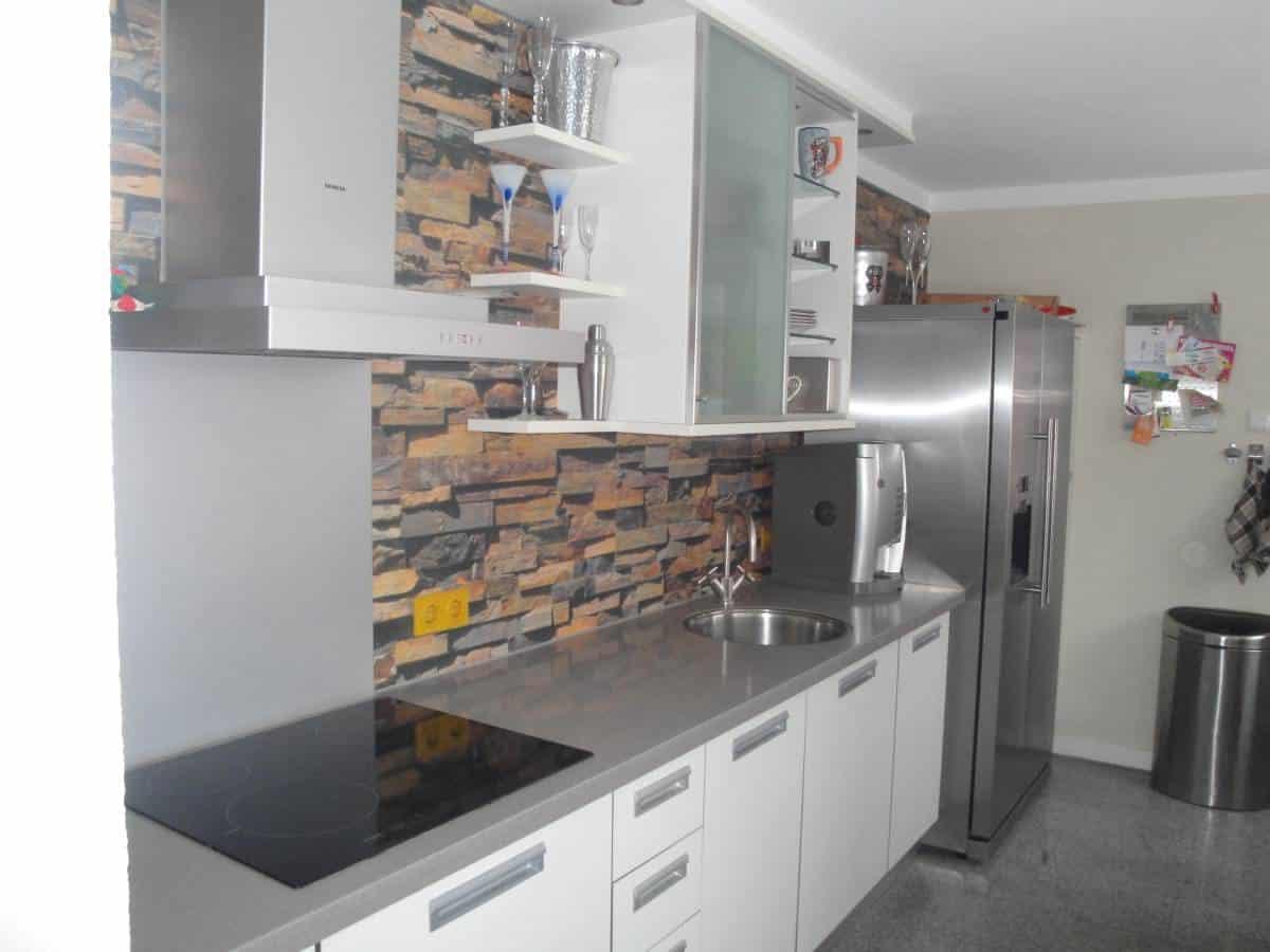 Keuken met 3d behang van balveren meesterschilder - Deco keuken ontwerp ...